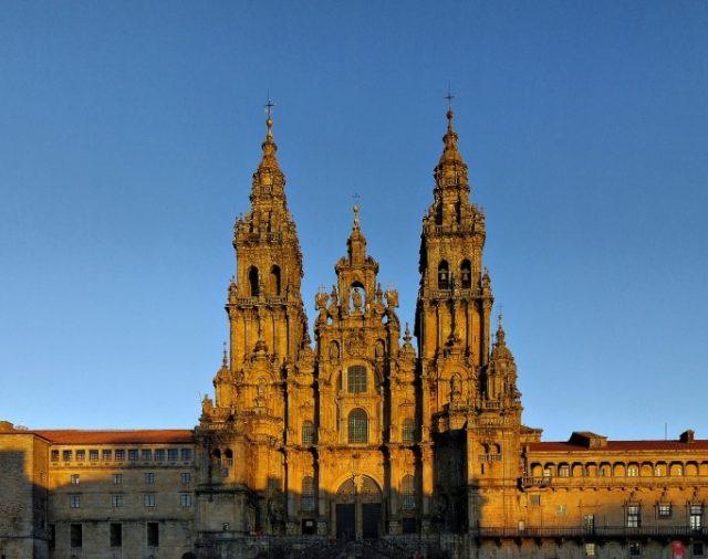 64. Gárgano, Compostela y la caridad