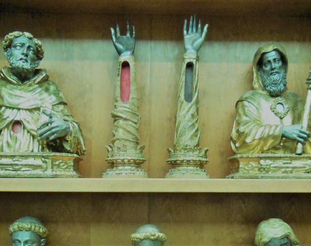 63. Reliquias, indulgencias y peregrinaciones